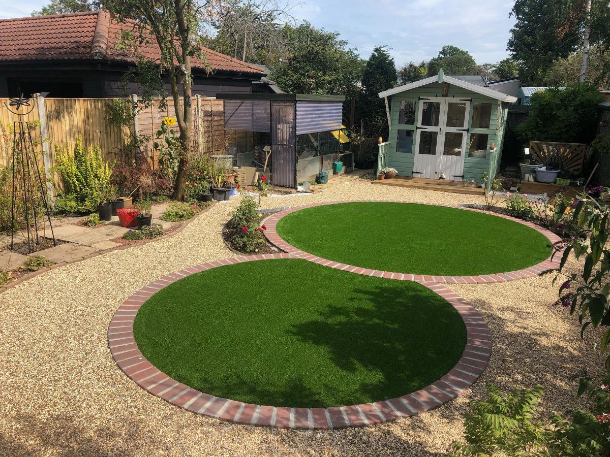Circular-Fake-Lawn