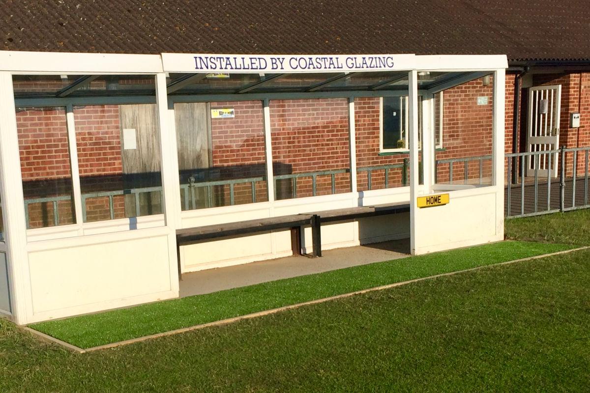 Grass-Dug-out-Leiston-FC